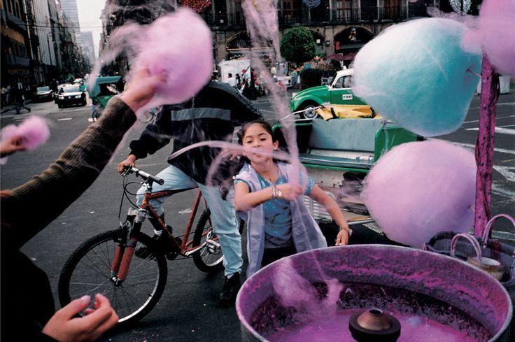 Alex Webb, Mexico City, 2003 | FlakPhoto.com