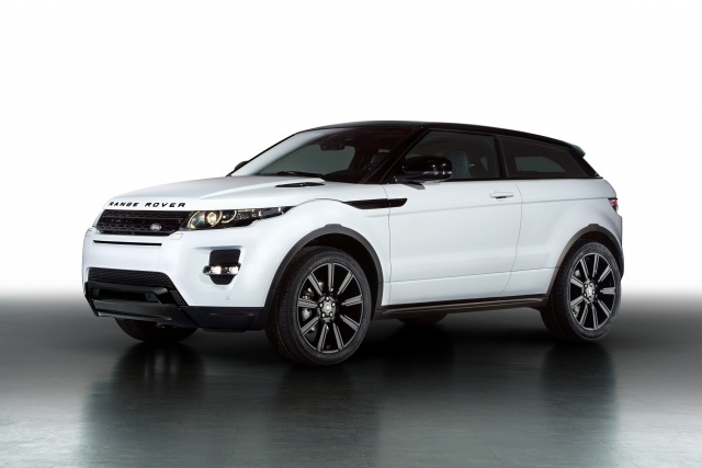 """At the ongoing 2013 Geneva Motorshow Range Rover showcased its compact SUV Evoque with a """"Black Design Pack"""" which adds more black accents on the car like black rims, darkened headlights, tail lamps, and have provided more personalisation option on the stylish SUV"""
