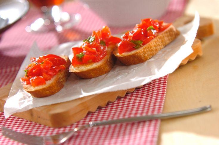 ミントがアクセント。さわやかな後味です。トマトのクロスティーニ[洋食/前菜]2015.11.16公開のレシピです。