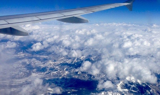 Companiile aeriene low cost ne-ar putea plati in curand ca sa zburam cu ele!