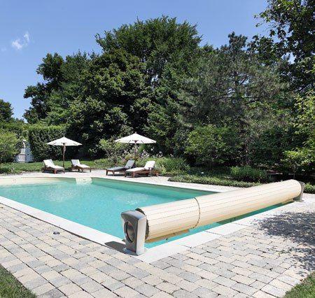 Защитные плавающие покрытия и сматывающие устройства, бассейна