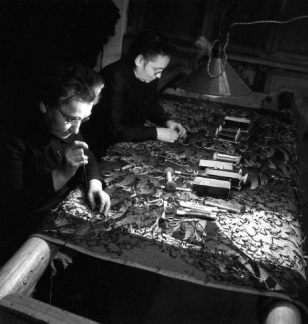 Robert Doisneau, Tapisserie à Aubusson 1945