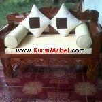 Sofa Pengantin Motif Ukir Jepara merupakan kursi mebel jepara yang sangat mewah dan sangat cocok untuk digunakan di pelaminan.Sofa Pengantin Motif Ukir Jepara ini motif terbaru dan sangat mewah dengan ukiran khas jepara yang sangat rapi dan memiliki nilai seni sangat tinggi.Sofa Pengantin Motif Ukir