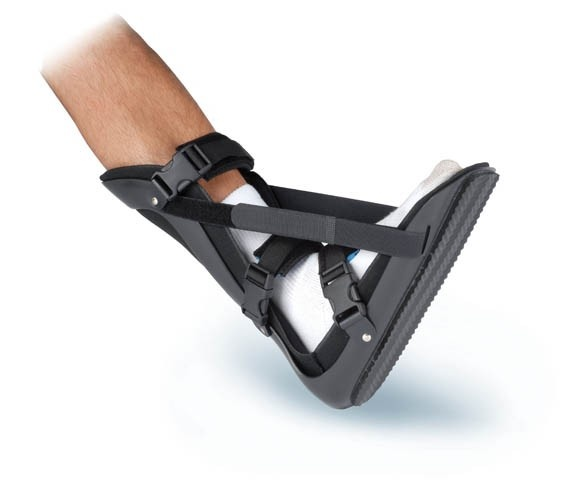 Provides for a comfortable and gradual stretch of the Plantar Fascia and Achilles Tendon.