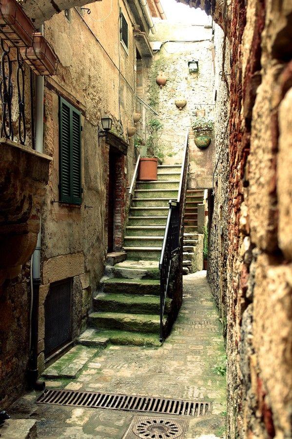 Capalbio by Giulia Rinaldi on 500px