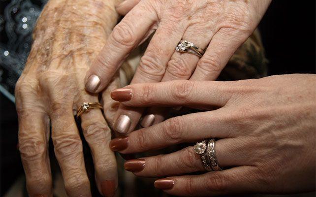 свадебный снимок 3 поколения