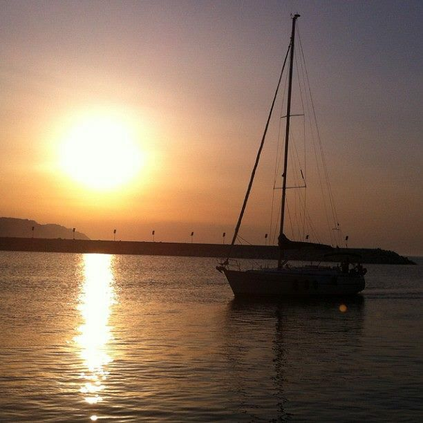 Una barca al tramonto