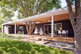 An Austin Couple Turn a Ranch Home Into a Refreshing Live/Work Space - Photo 11 of 13 -