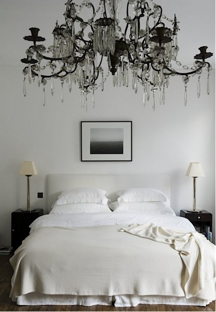This chandelier almost looks like it is painted on the wall. Now there's an idea...