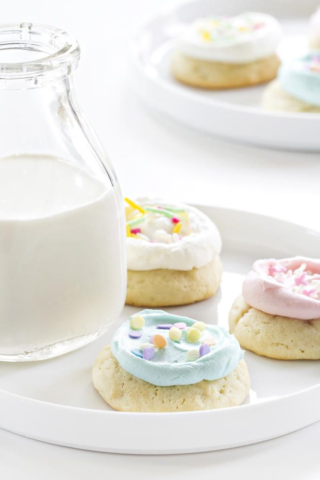 Soft frosted sugar cookies will be your new favorites. No, really. They will. Just try to stop eating them!