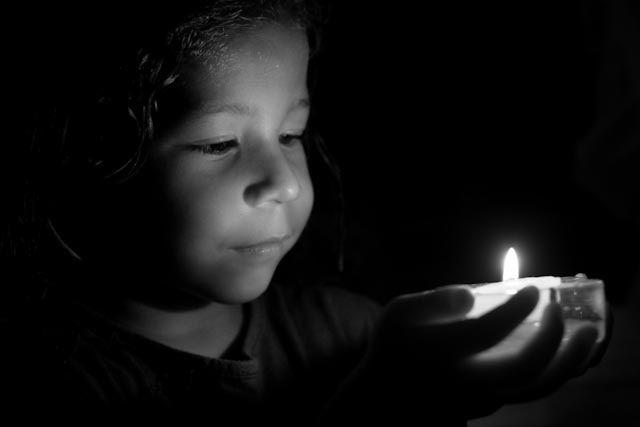 Foto 011 de 365 A la luz de una vela