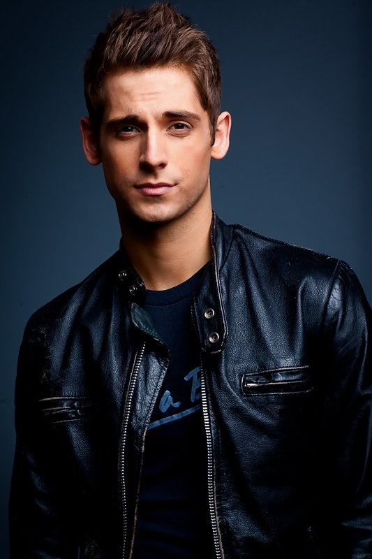 Loved him in Kyle XY; love him in Baby Daddy!! Jean-Luc Bilodeau...