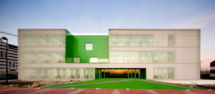 Social Services Center / dosmasuno arquitectos