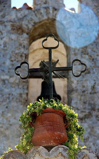 Cross and Pot.. Prophet Elias Church, Rhodes Island, Greece (by tourist at home on Flickr)