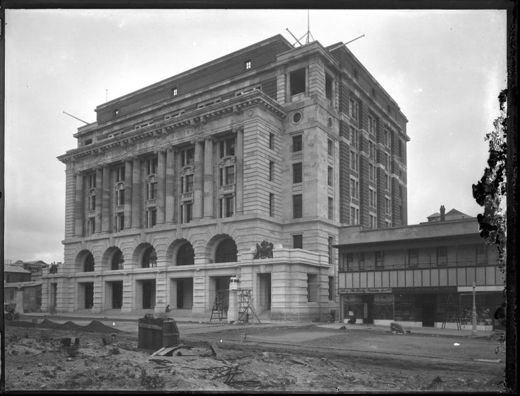 013723PD: The General Post Office and Forrest Place, Perth, construction almost complete, Central Hotel being refurbished at right, 1923 https://encore.slwa.wa.gov.au/iii/encore/record/C__Rb4503137