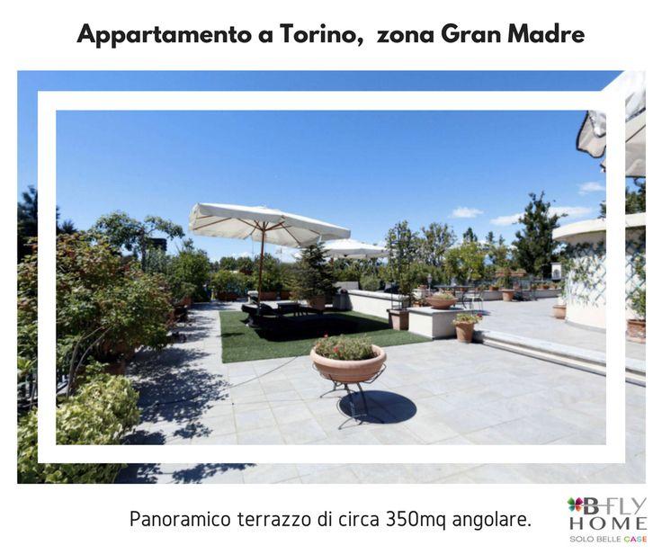 Proponiamo a Torino, Gran Madre, luminosissimo appartamento di 242mq con tripla esposizione totalmente ristrutturato. In vendita a €1.200.000.