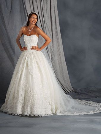 Alfred Angelo Style 2567: lace ball gown wedding dress with basque bodice and full skirt
