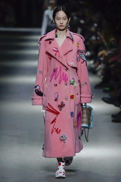 View the full Fall 2018 collection from Burberry Prorsum.