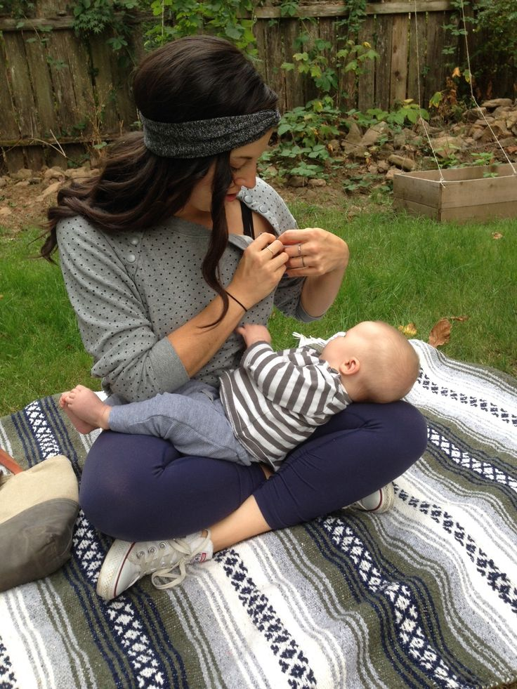 Easy-Access Fashion For Nursing Mamas // @ The Little Things We Do