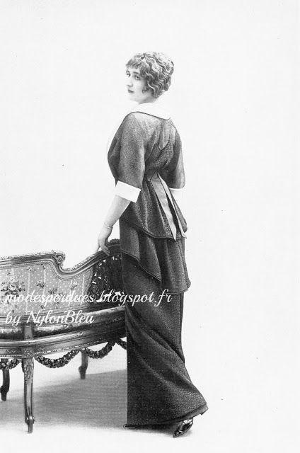 """""""Le deuil"""", roe d'après midi en crepe anglais par Cécile et Lafontan, photo Talbot, Les Modes, avril 1914"""