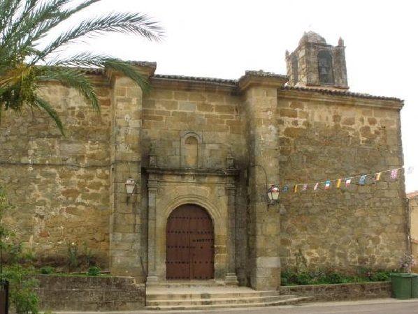 La iglesia de Viandar de la Vera, dedicada a San Andrés Apóstol.
