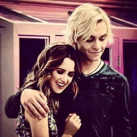 Ross Lynch je datovania Laura Marano J14