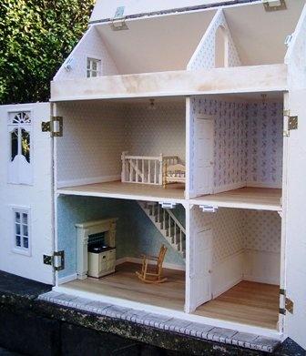 красивые кукольный домик!