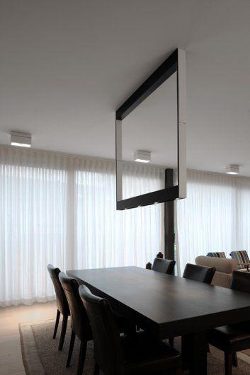 Kreon Cadre - met TL of spots - past ideaal bij onze andere verlichting, maar te aanwezig voor de grootte van onze ruimte? Stoort boven tafel? / Open zicht naar tuin?