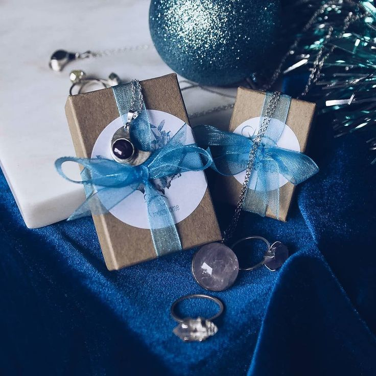 Have a cozy evening of the last day of the year  . . . . #jewellerylove #present #packing #newyear2018 #2018iscoming #festive #gift #giftidea #boho #bohemian #blue #winter #cozy #adventcalendar #moonchildgift #yogigift #silverjewellery #artisian #ohsopretty #ohsolovely #wrapping #moondoneuk #winterbeauty #moondome_uk #moondome_jewelry // Silver Jewellery by www.moondome.com http://ift.tt/2zRfyMp