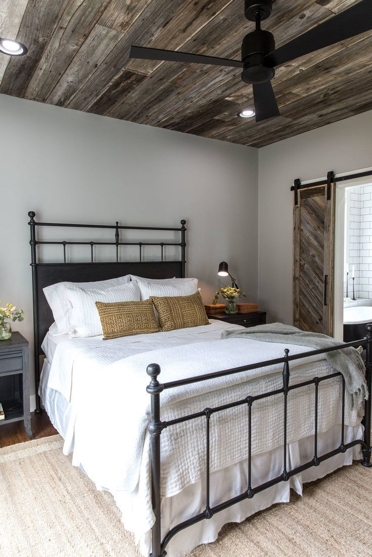 Fixer Upper Season 4 Episode 16 The Little Shack On The Prairie Chip And Joan Farmhouse Style Master Bedroom Rustic Farmhouse Bedroom Rustic Master Bedroom