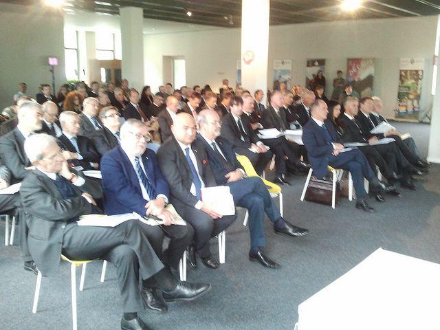 """2013-10-11 l presidente del consiglio regionale del Piemonte Valerio Cattaneo durante il convegno """"Dalle riforme la rinascita forum italo-fr..."""