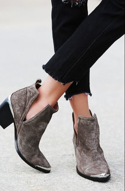 Jeffrey Campbell Hunt The Plains Boots || @presgrillette