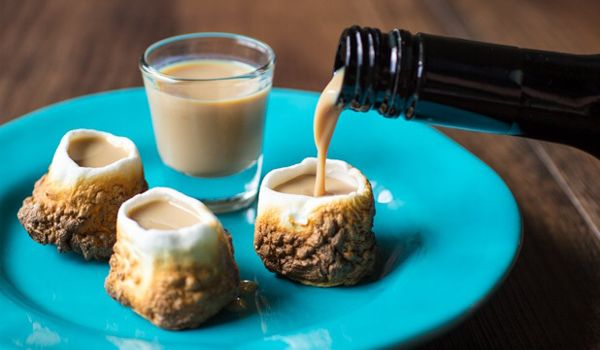 OMG. So much yum to look at with this! Maybe chocolate liquor makes alcoholic smores?