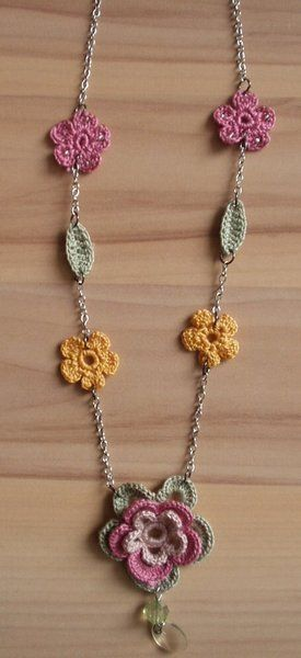 Chrochet Flower Necklace <3 Flores y hojas tejido