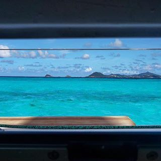 Room with a view ???? #nofilter #wakeuplikethisforeverplease #caribbean #bluemind