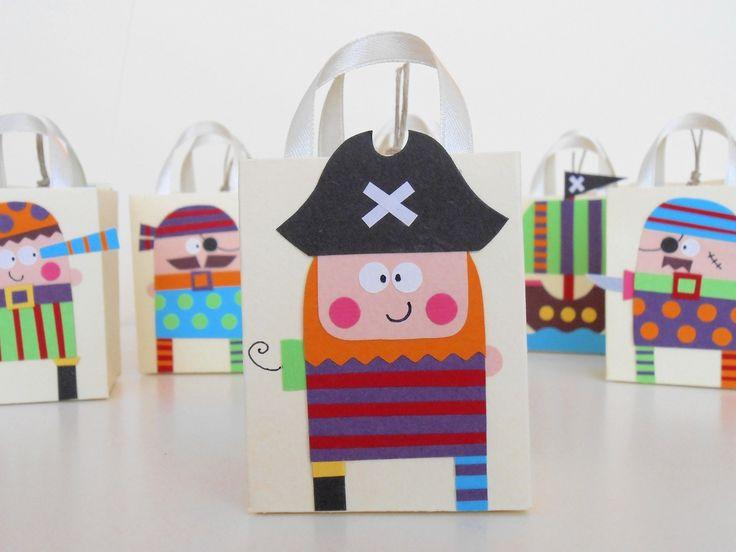 Bomboniere Comunione o Battesimo Pirati : Altro bebè di glueglue-creazioni