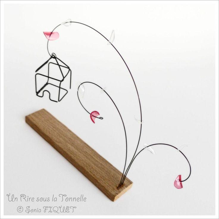 sculpture fleurs et maison en fil de fer et mat riaux recycl s maison de lison n 2 via un. Black Bedroom Furniture Sets. Home Design Ideas