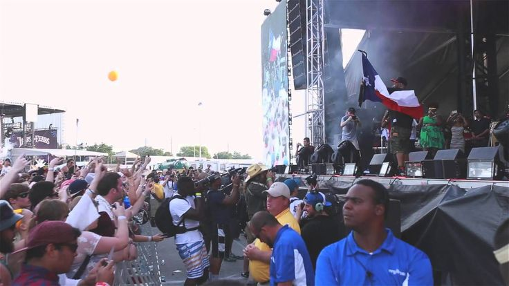 Slim Thug - Houston Free Press: Still Surviving (Live Show) - http://www.trillmatic.com/slim-thug-houston-free-press-still-surviving-live-show/ - Watch Slim Thug live in concert & behind the scenes featuring Paul Wall, Mike Jones, Bun B, Z-Ro, Lil Keke, Devin The Dude & more. Hogg Life Vol. 2 coming! #HoggLife #Trill #StillSurviving #Houston #Texas #HoustonHipHop #RIPScrew #RIPPimpC #Trillmatic #TrillTimes