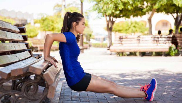 Mormorarme - Slip af med mormorarme med disse træningsøvelser | Femina