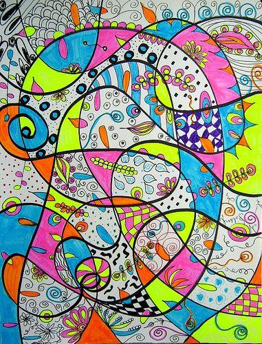 Doodling Abstract, eerst op een leeg vel een aantal grote lijnen neerzetten zonder erbij na te denken. 5 min de tijd voor. Vervolgens nog een paar lijnen die duidelijk kruiste. Daarna ga je met maximaal 5 kleuren de vakjes inkriebelen met een aantal verschillende soorten lijntjes.