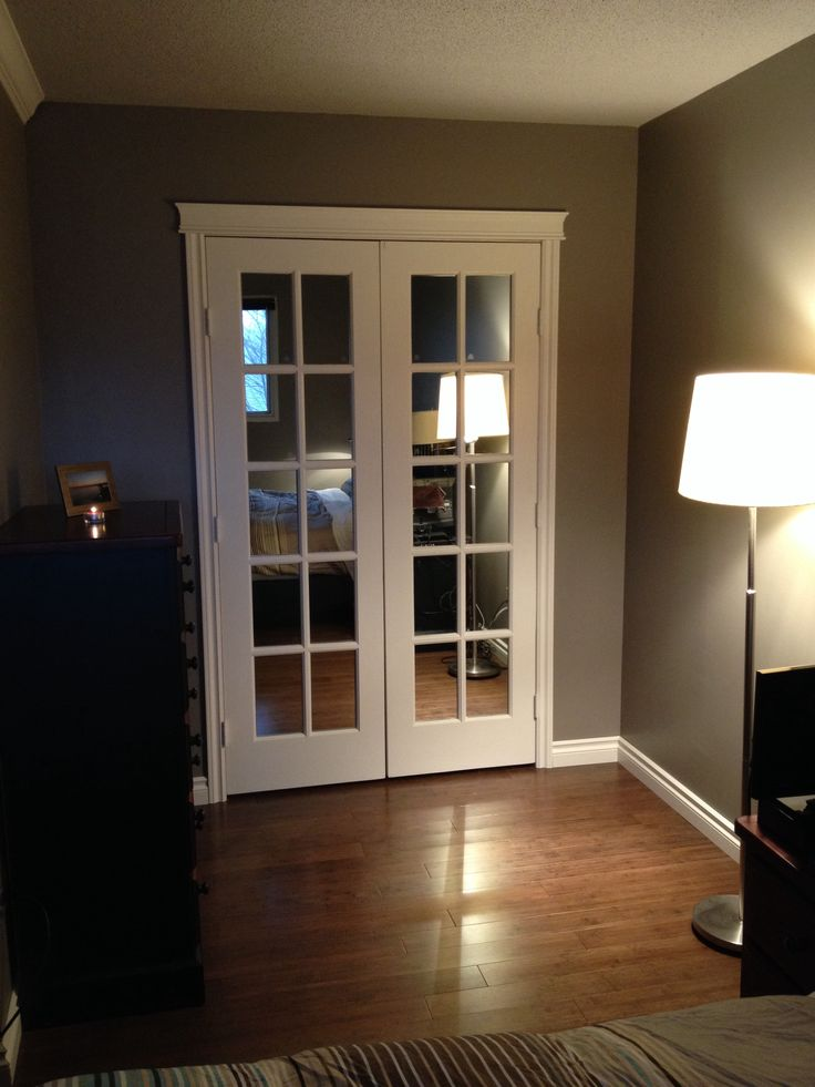 closet french doors with mirrors 3