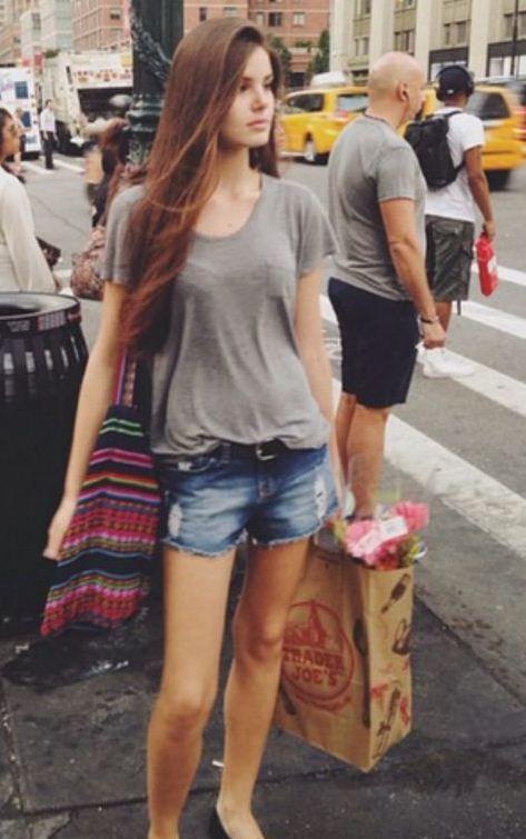Camila Queiroz - Atriz - actriz - modelo - fashion model - Brasil - brasileira - brasileño - Brazil - Brazilian - telenovela - novela - tv - verdades secretas - secret truths - Angel - cabelo - hair - pelo - bonito - beautiful - hermosa - longo - comprido - long - largo - inspiration - inspiração - inspiración - estilo - style - look - casual - short - jeans - blusa - shirt