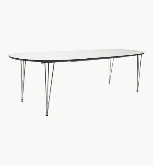 Alento matbord i oval from, storlek 180/270. Matbordet är ett trivsamt och hållfast bord. En vinnande klassiker som smälter in i många svenska hem. Bordet kommer med en iläggsskiva som gör det möjligt att göra om bordet från 180 cm till 270 cm. Skivan är en vitlackerad MDF med fasad svart kant.  Det finns även att köpa i färdigt paket med 6 stolar. #azdesign #matbord #bord