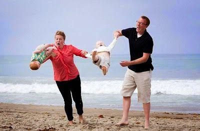 photos de plage embarrassantes fail mer 14   photos de plage embarrassantes… #fail   2   vacance plage photo mer image GIF fail chute