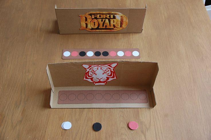 Le Grand frère est un fan inconditionnel du célèbre jeu Fort Boyard. Il s'invente des épreuves un peu partout dans la maison et incarne les...