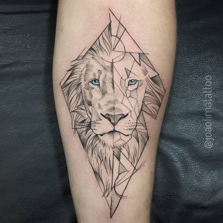 Lion Tattoo von Joao Lima Tattoo #abstracttattoo #fineline #lineworktattoo #blxck …