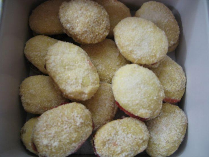 Pörden Keittiössä: Gluteenittomat Lusikkaleivät