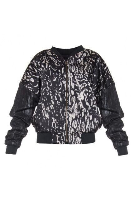 Najmodniejszy w tym sezonie fason #bomberjacket #jacket projektu #edytajermacz . Znajdziecie go oczywiście na boutiquelamode.com