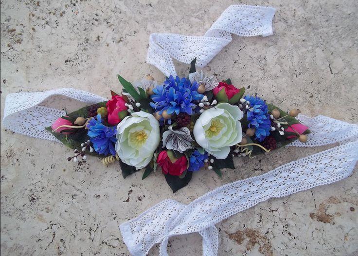 Flower Belt - Cintura Fiori di Campo: cornflower, ranunculus, blackberries, white vintage lace - fiordaliso, ranuncoli e bacche #folkflor