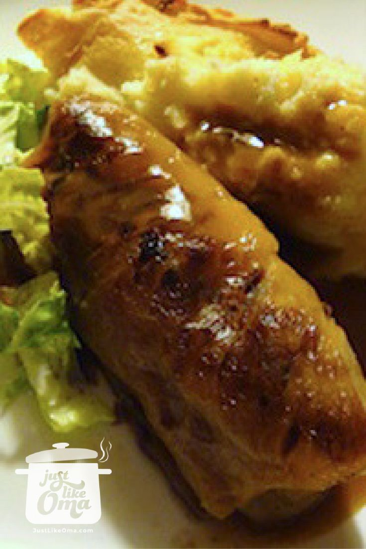 German Cabbage Rolls -- so yummy with brown gravy and mashed potatoes. Truly authentic German ... Check out http://www.quick-german-recipes.com/cabbage-rolls-recipe.html  ❤️it!